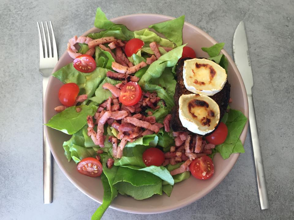 Salade de lardons au toast de chèvre